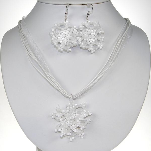 Souprava květy perličky a korálky bílé