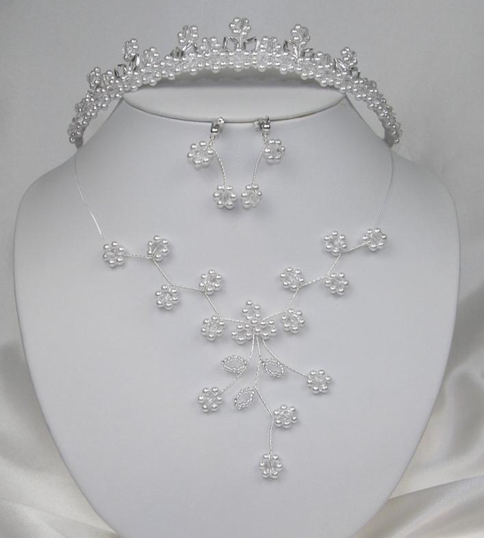 Svatební souprava bižuterie bílé kytičky korálky