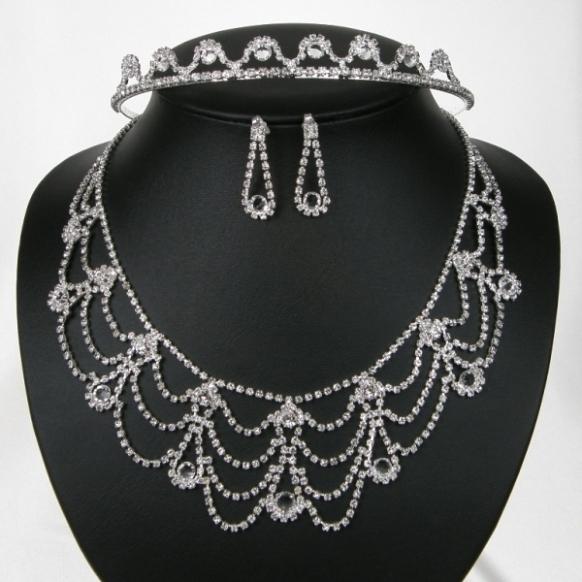 Souprava svatební bižuterie - náhrdelník + naušnice s puzetou + korunka do vlasů (Souprava svatební bižuterie - náhrdelník + naušnice s puzetou + korunka do vlasů)