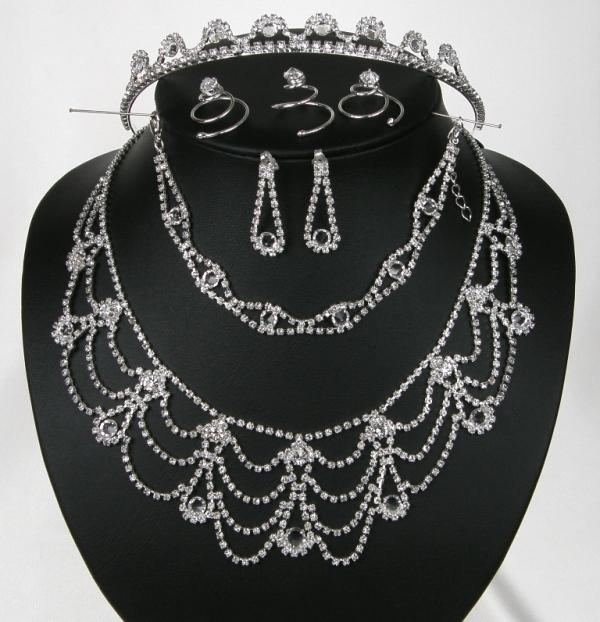 Souprava svatební bižuterie - náhrdelník + naušnice s puzetou + náramek + 3ks oz (Souprava svatební bižuterie - náhrdelník + naušnice s puzetou + náramek + 3ks ozdoby do vlasů + korunka do vlasů)